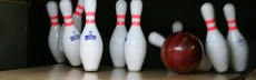 Bowling pins falling alley lane fun recreation ball 749599.jpg!d